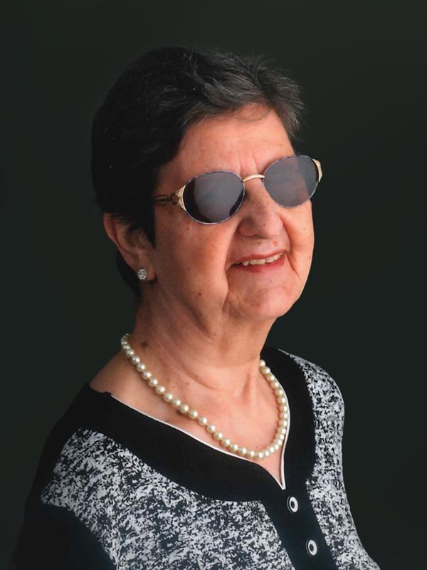 Yvonne De Loose